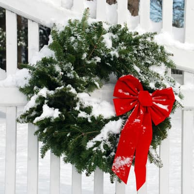 4 Reasons to Love Fresh-Cut Holiday Greenery