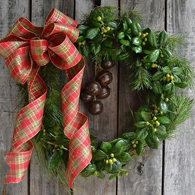 8 Spectacular Christmas Wreaths for Your Front Door