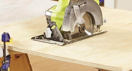 cutting with a circular saw