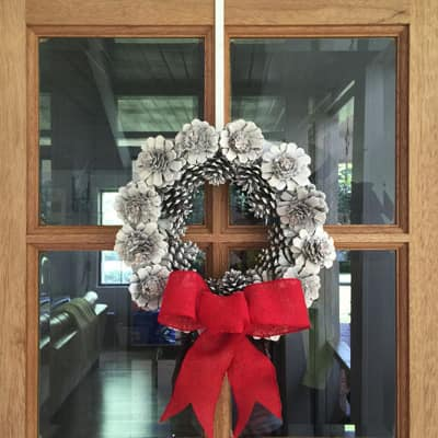 Create a Pinecone Wreath for Christmas Decorating