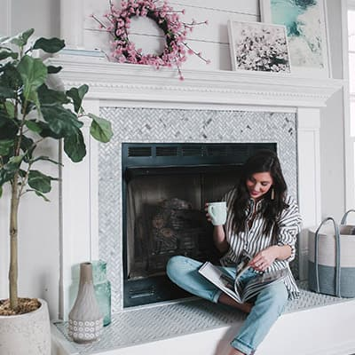 How to Brighten Up a Room With a Fireplace Makeover