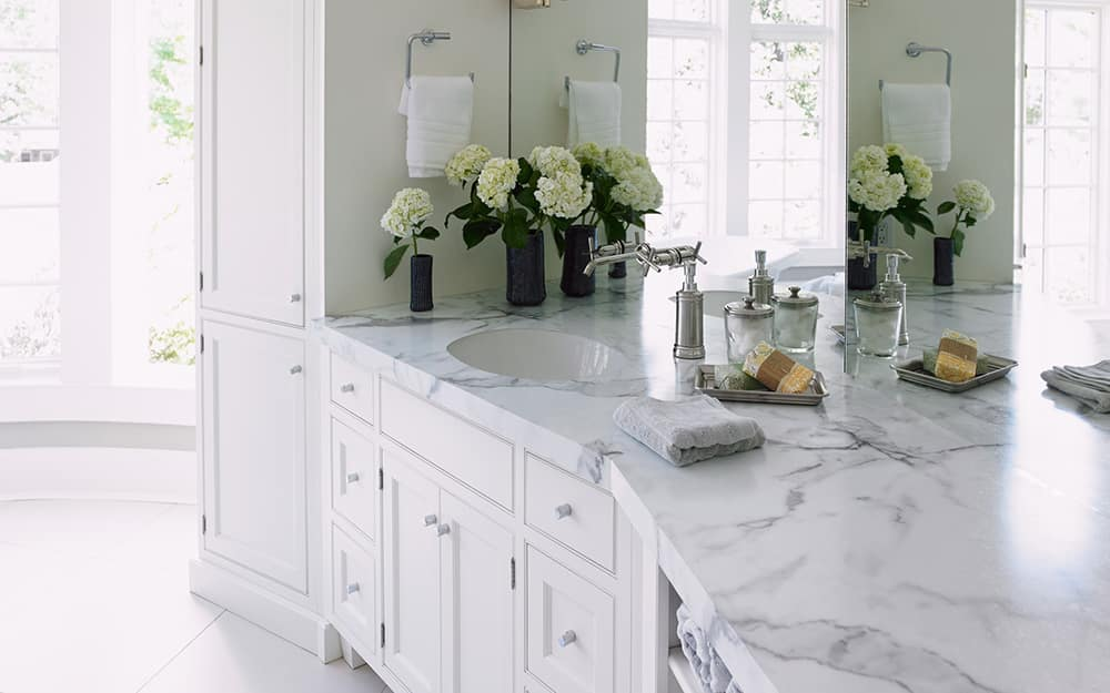 A kitchen featuring newly installed laminate countertops.