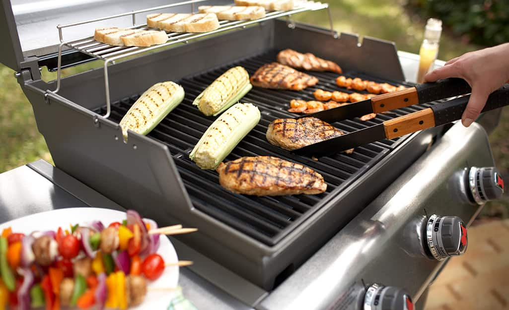 How To Use a Gas Grill - The Home Depot