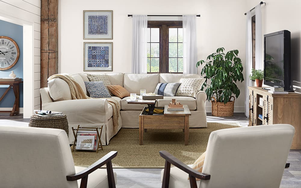 A living room with traditional decor.