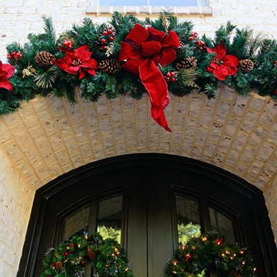 Traditional Christmas Front Door Decorations