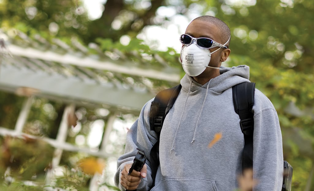 A man wearing a respirator mask.