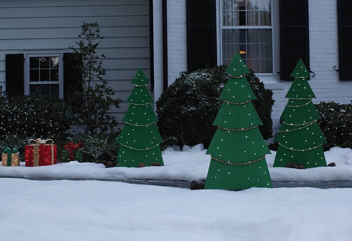 Finish decorating - Make Holiday Tree Yard Decor