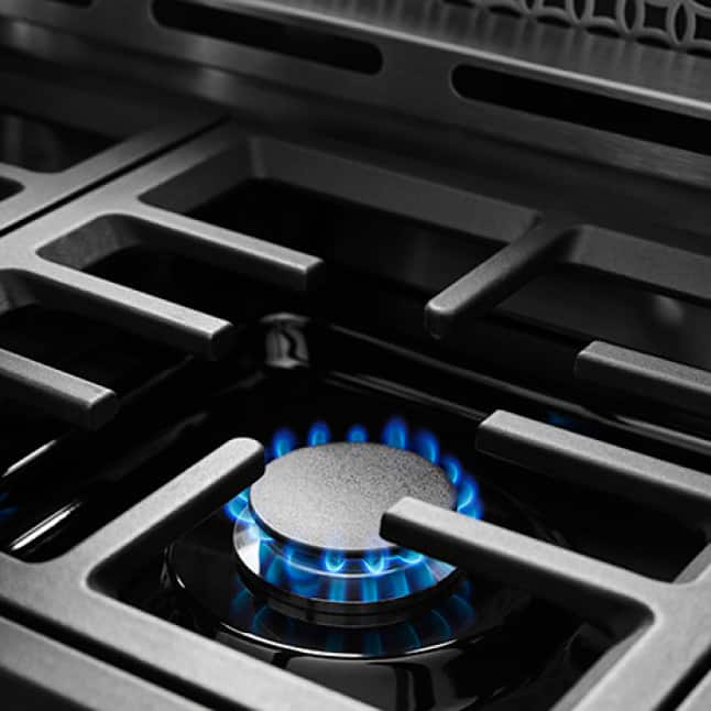 5000 BTU Simmer Burner with low flame sized for small saucepans.
