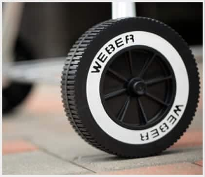 The durable wheels allow you to easily move your grill.