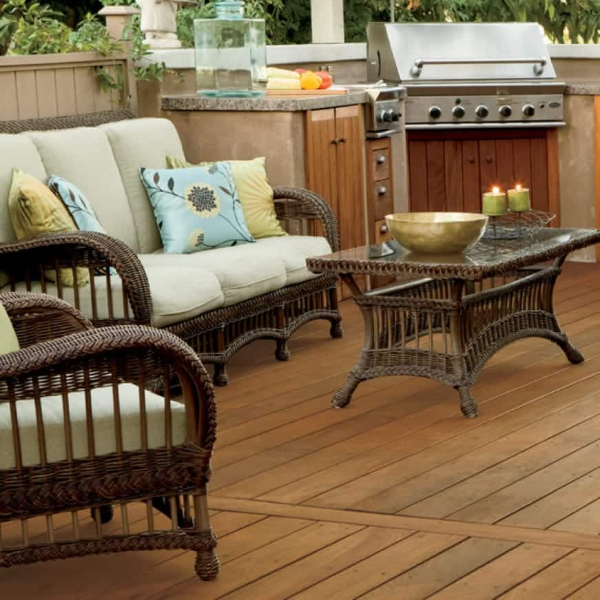 Exterior wood deck coated with Transparent Wood Finish - Brown color Chocolate T-129