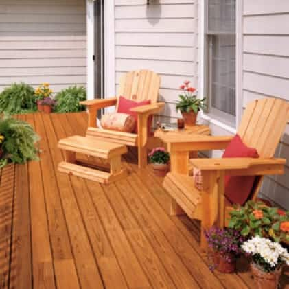 Furniture coated with Transparent Wood Finish - Natural color Clear NO. 500/400; Wood deck Cedar Naturaltone NO. 501/401