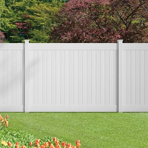 An image of the fence installed along the perimeter of a yard