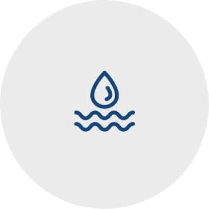 Simple, blue icon of a water droplet to represent the abilty to use the dishwasher to clean the mesh filter.