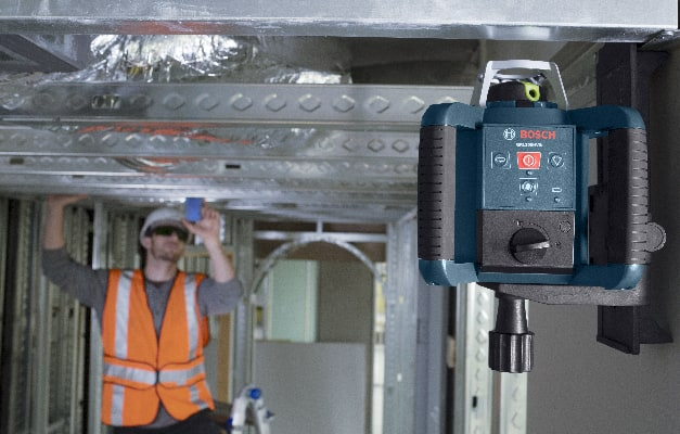 Bosch GRL300HVG being used with target for long distance leveling.