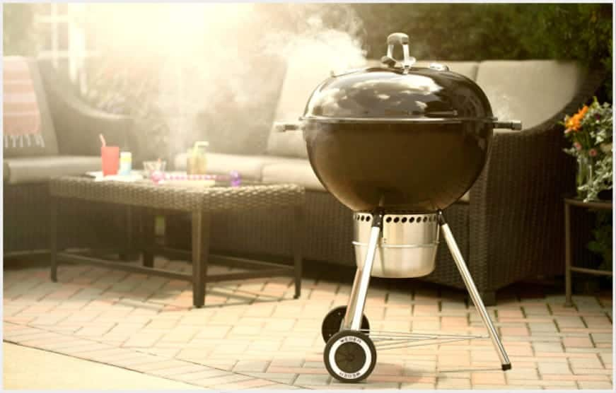 Spark your charcoal grilling with the Original Kettle® Premium charcoal grill.Upgraded features make smooth grilling experience from beginning to end.