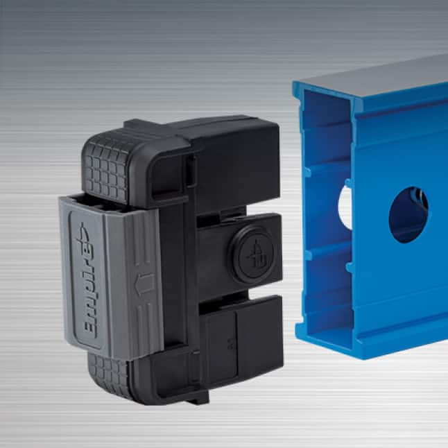Tool-free removable, shock absorbing endcaps provide superior protection and scribing performance