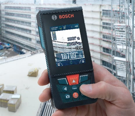 Bosch GLM400C showing camera functionality on the screen of the tool.