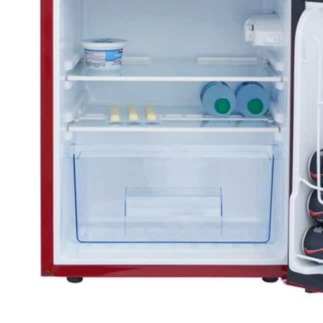 Clear crisper drawer for your produce