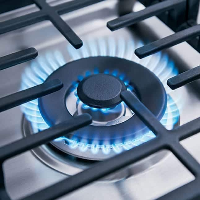 A close up of the three ring burner