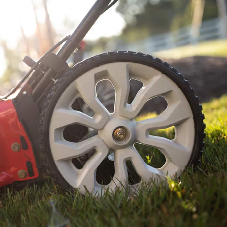 Troy-Bilt gas walk behind mower, push mower, lawn mower, improved handling, high rear wheels