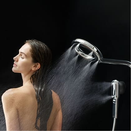 Optimize your shower with an adjustable sliding arm for a height range of 17 inches, a rainshower showerhead that tilts and a shower arm with right-to
