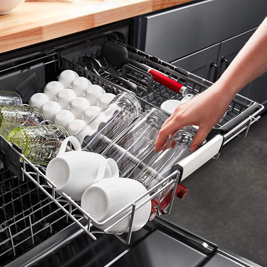 """FREEFLEX Third Rack with rotating wash jets fits 6"""" tall glasses"""