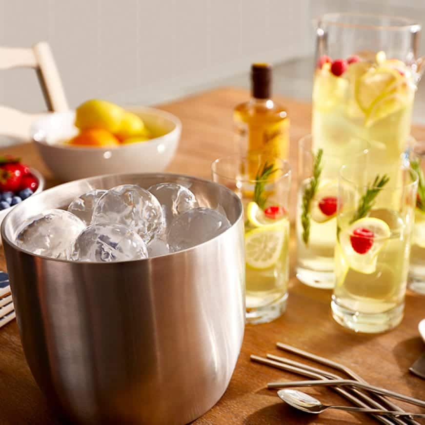 Slow melting round ice for best tasting beverages at home
