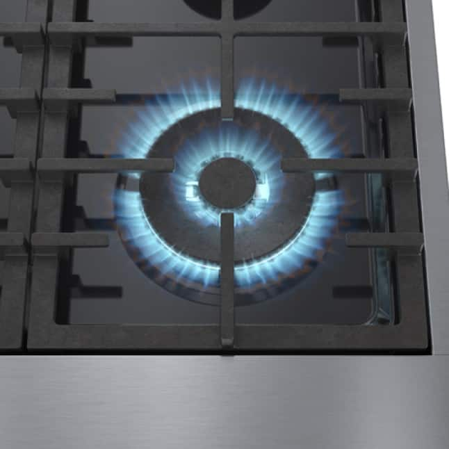 Close up view of 18,000 BTU burner for fast boil or low simmer.
