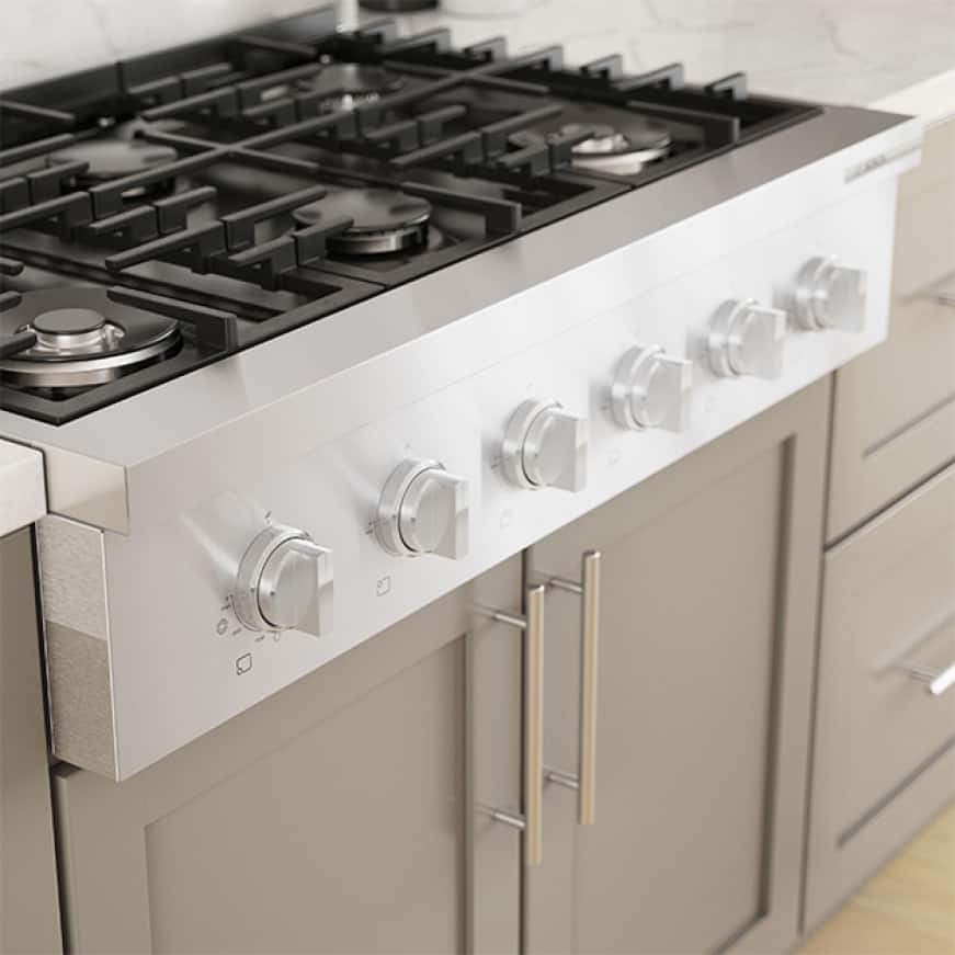 Close up view of Bosch commercial-inspired cooktop with more cooking space.