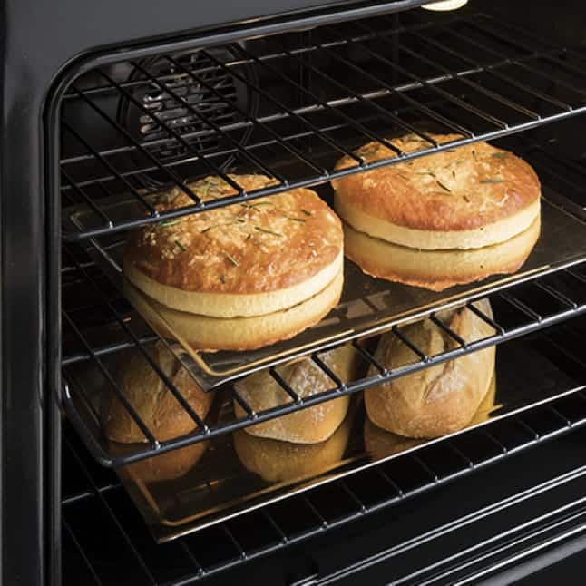 Bread bakes to a golden brown inside the oven thanks to the specialized convection system.