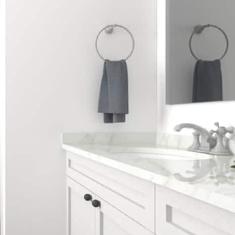 Clean White Paint Color in Bathroom