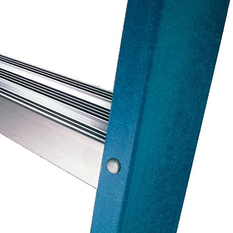 Slip resistant rungs of the ladder