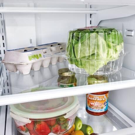 Food on edge-to-edge interior shelf