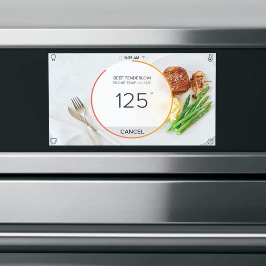 A close up of the full-color display.The precision cooking mode has been set to prepare beef tenderloin.