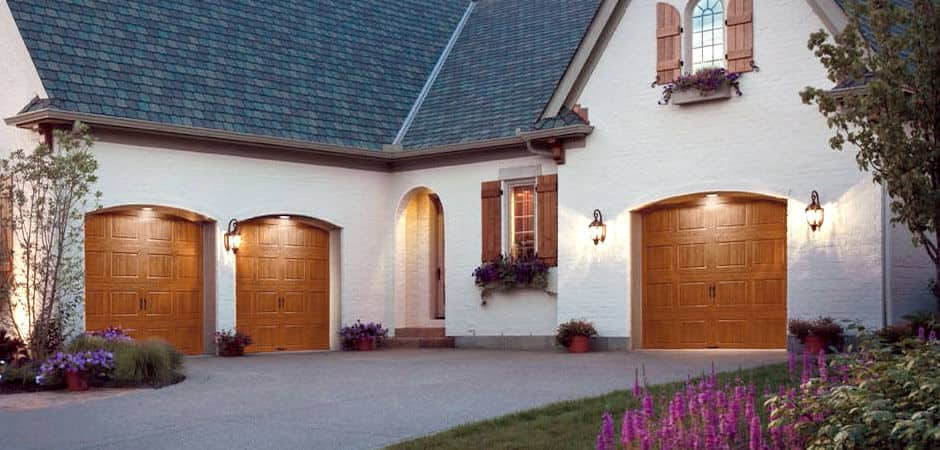 New garage doors are a solid opportunity to update the look of your home and increase its value. Frosted glass or raised panels - you have options.