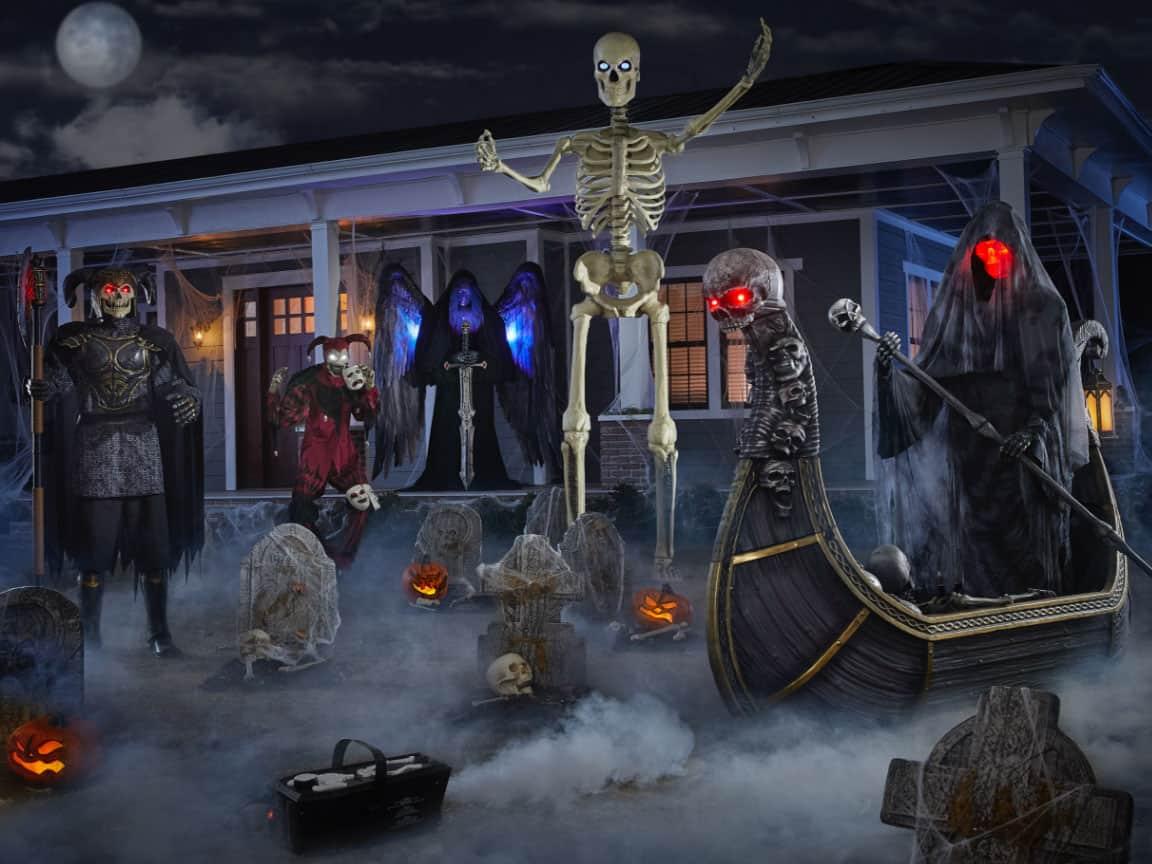 Front Yard Spooky