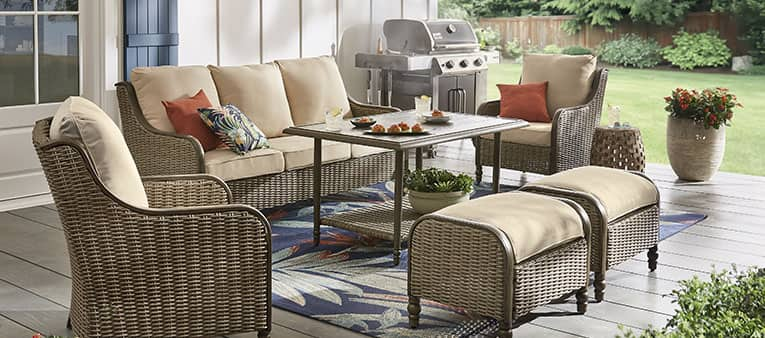 BUILD YOUR OUTDOOR STAYCATION