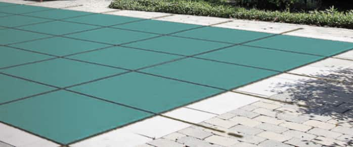 CLOSE A POOL FOR WINTER IN 10 STEPS