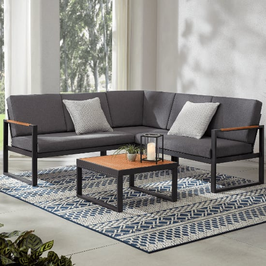 Pinnacle Park Outdoor Sectional Set